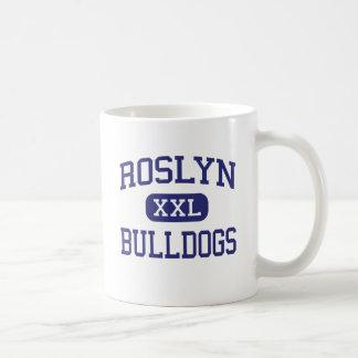 Alturas medias de Roslyn de los dogos de Roslyn Taza Básica Blanca