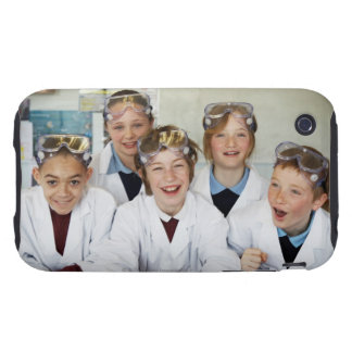 Alumnos (9-12) en la clase de la ciencia, iPhone 3 tough protector