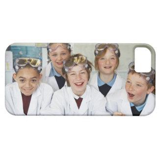 Alumnos (9-12) en la clase de la ciencia, iPhone 5 fundas
