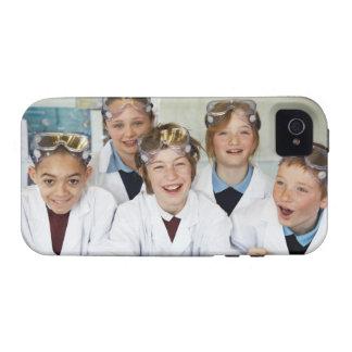 Alumnos (9-12) en la clase de la ciencia, vibe iPhone 4 carcasa