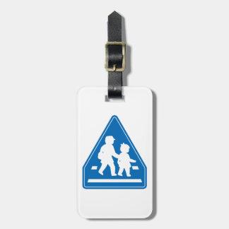 Alumnos que cruzan >> señal de tráfico japonesa etiquetas para maletas