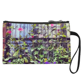 Always a lady, in full urban bloom... wristlet wallet