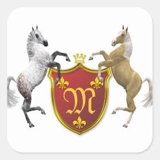 Alzar caballos con un escudo heráldico, con pegatina cuadrada