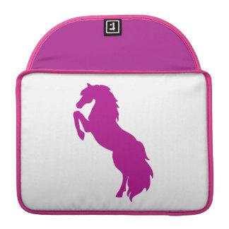 Alzar el caballo en uva fundas macbook pro