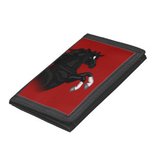 Alzar la cartera negra del caballo