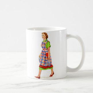 Ama de casa retra de la mujer de los suburbios del tazas de café