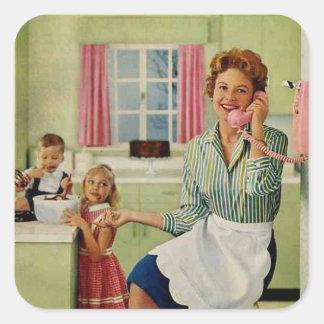 Ama de casa retra en cocina pegatina cuadrada