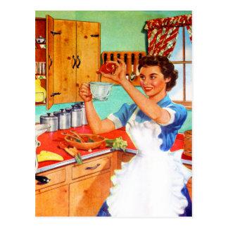 Ama de casa suburbana del kitsch del vintage que postal