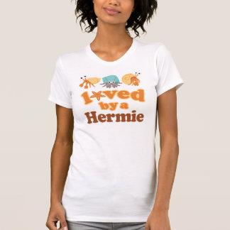 Amado por un cangrejo de ermitaño camiseta
