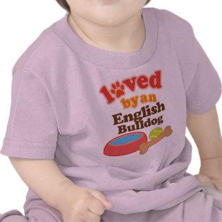 Amado por un dogo inglés raza del perro camiseta