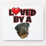 Amado por un Rottweiler 2 Tapete De Ratón