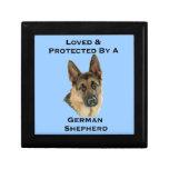 Amado y protegido por un pastor alemán cajas de regalo