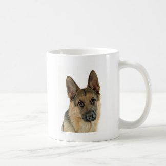 Amado y protegido por un pastor alemán taza de café