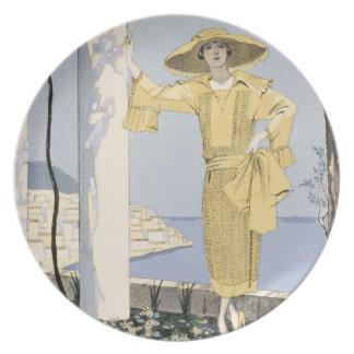 Amalfi, ejemplo de una mujer en un vestido amarill plato