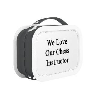 Amamos a nuestro instructor del ajedrez