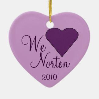 Amamos el ornamento del corazón de NORTON Adornos