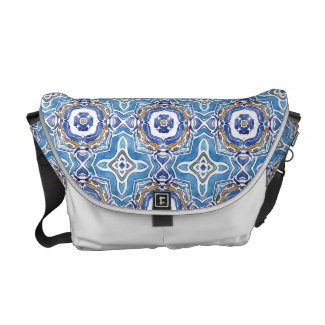 Amanda Medium Messenger Bag