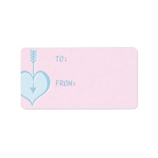 Amándole etiqueta azul del regalo del corazón etiquetas de dirección