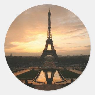 amanecer de Eiffel Pegatina Redonda