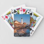 Amanecer de los inviernos en el faro principal de baraja cartas de poker