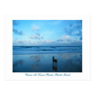 Amanecer en la playa de Karon, isla de Phuket Tarjeta Postal