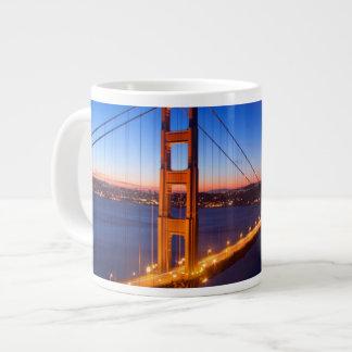 Amanecer sobre el puente de San Francisco y del Taza Grande