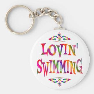 Amante de la natación llavero redondo tipo pin
