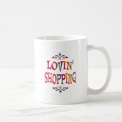 Amante de las compras tazas de café