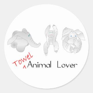 Amante del animal de la toalla pegatina redonda