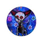 Amante del perro de Dia de los Muertos Chihuahua Reloj Redondo Mediano