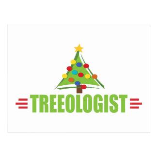 Amante divertido del árbol de navidad postal