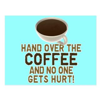 Amante divertido del café postal
