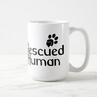 Amante humano rescatado del perro taza de café