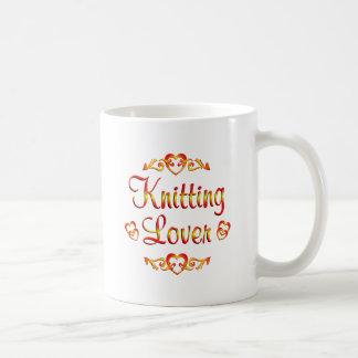 Amante que hace punto tazas de café