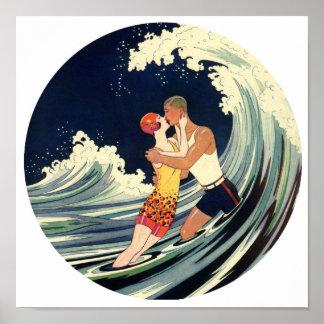 Amantes de la persona que practica surf que besan  impresiones