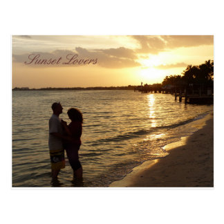 Amantes de la puesta del sol postal