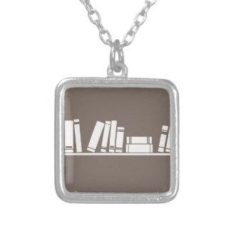 ¡Amantes de libros! Collar Plateado