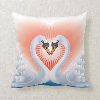 Amantes del cisne cojín