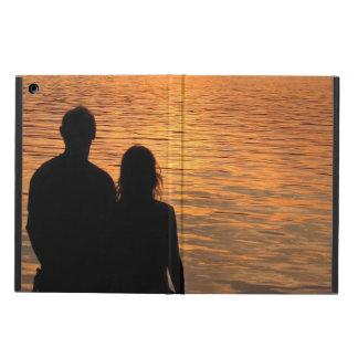 Amantes en el aire del iPad del lago sunset