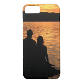 Amantes en el caso del iPhone 7 del lago sunset Funda iPhone 7