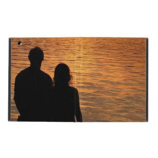 Amantes en el iPad 2/3/4 del lago sunset