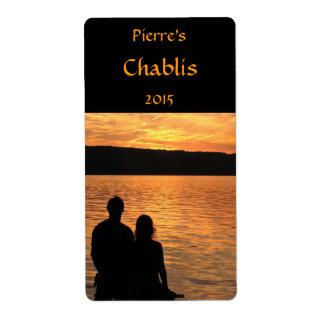 Amantes en la etiqueta del vino del lago sunset etiqueta de envío
