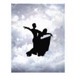 Amantes que bailan en romance membretes personalizados