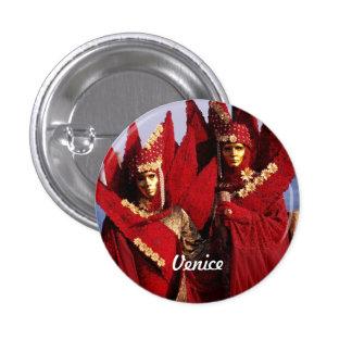 Amantes venecianos con los trajes rojos del pin redondo de 1 pulgada