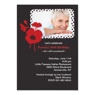 Amapola roja en la invitación negra de la foto invitación 12,7 x 17,8 cm