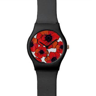 Amapolas anaranjadas rojas intrépidas relojes de pulsera