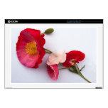 Amapolas rosa y rojo:  Pequeño ramo en blanco Portátil Skin