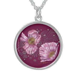 Amapolas rosadas en los espirales de plata collares de plata esterlina