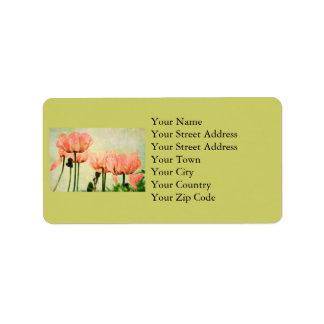 Amapolas rosadas y etiquetas de dirección florales