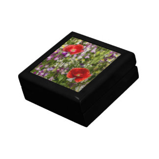 Amapolas y flores salvajes caja de recuerdo